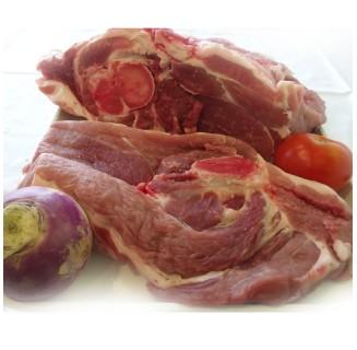 Epaule de porc avec os